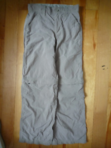 size M 'THE NORTH FACE' beige pants, can be unzipped to shorts