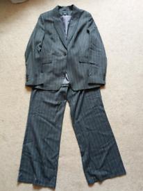 Suit size 14-16