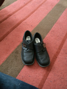 Boys size 1 Kenneth cole reaction dress shoes