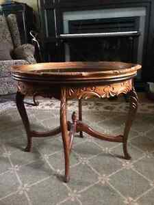 Antique table/Removable glass top