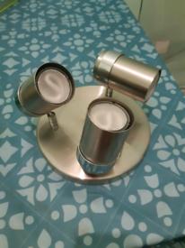 3 spotlight ceiling plate with 3 LED GU10 bulbs included