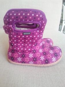 Bogs Winter Boots size 8