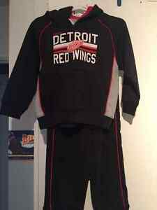Red wings outfit