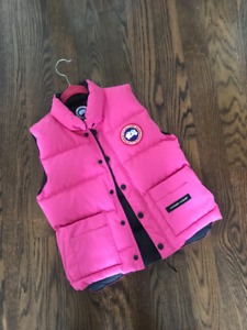 Canada Goose Pink Down filled Vest size SMALL 6-10 years of age
