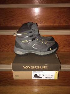 Vasque Men's Breeze 2.0 GTX Waterproof Hiking Boot size 9