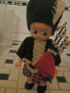 "1940s 4""  Scotish Doll with Bagpipes--$15."