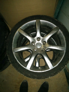 Front tires and rims Infiniti G35