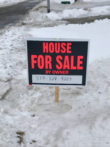 House For Sale in Petrolia