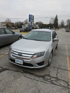 2012 Ford Fusion - low km's, very clean, well-maintained