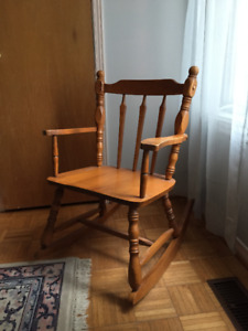 Chaise Bercante en Erable ** Maple Rocking Chair