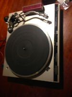 TECHNICS SLQ3 DIRECT DRIVE TURNTABLE FOR SALE