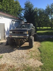 mud truck, 400sbc, 2400 or best offer