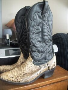 100 % LEATHER SNAKESKIN BOOTS