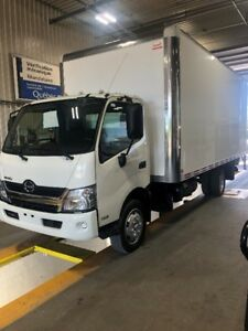 hino 195 2016 tail gate 4 en inventaire
