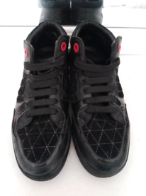 2 Royaums trainers - Size 7