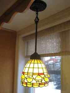 Tiffany style hanhing lamp West Island Greater Montréal image 1