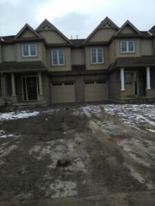 PETS WELCOME AT THIS BRAND NEW 3 BEDROOMS / 2.5 BATHS IN WELLAND