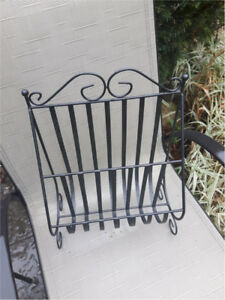 Metal Magazine Rack in great condition