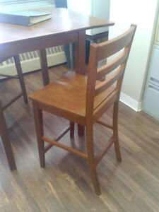 Dining Table with two chairs Edmonton Edmonton Area image 4