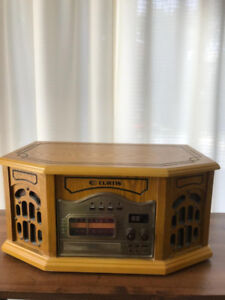 Record Player with Radio, Vintage Style
