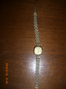 LOVELY 14kt SOLID GOLD LADIES WATCH