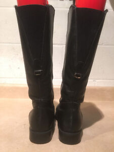 "Women's ""College"" Tall Leather Winter Boots Size 8 London Ontario image 3"