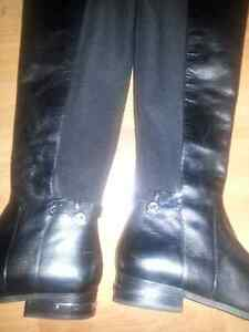 Selling brand new Micheal Kors boots