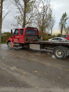 2007 international flat bed tow truck