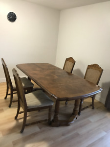 Ontario Dining Table Set With 4 Chairs