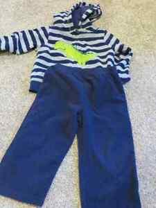Boys size 24 months 2 piece Carter's Fleece set EUC