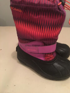 LIKE NEW!LIKE NEW! KIDS YOUTH COLUMBIA WINTER BOOTS  SIZE 2 PINK