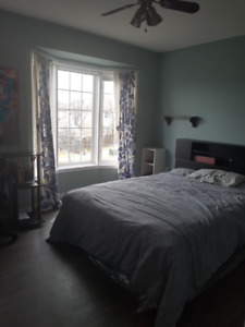 Grimsby 2 Bedrooms for Rent. All Inclusive!