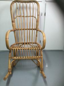 Chaise berçante en osier