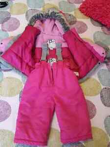 Girl snow suit with mittens Gatineau Ottawa / Gatineau Area image 2