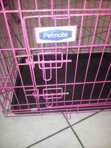 Petmate  Pink  puppy or rabbit cage with plastic removable pan!