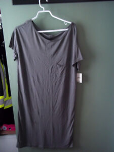 FOR SALE NEW WITH TAGS LADIES NIGHT DRESS