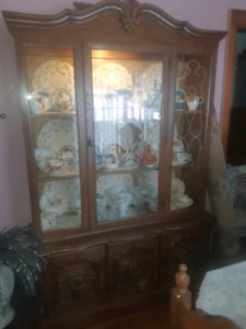 Vintage retro China cabinet,  in excellent shape