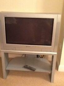 """Panasonic 28"""" flat screen TV"""