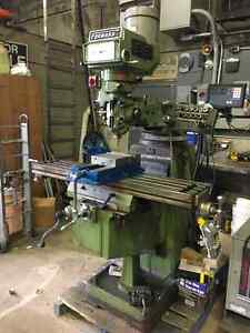 Forward Vertical Milling Machine 575 600 Volt 3 HP Windsor Region Ontario image 1