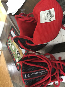 Size 9 Under Armour basketball sneakers