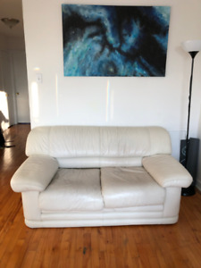Sofa/couch 2 places Xtra Confy 64'' x 32'' & Pet friendly