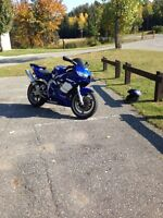 2000 Yamaha r6, great condition, looking to trade for?????