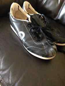 Men's ASHAM Curling Shoes sized 91/2