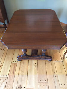 1920s Solid Wood DIning Room Set