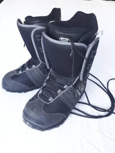 Deluxe Snowboard boots Size 10