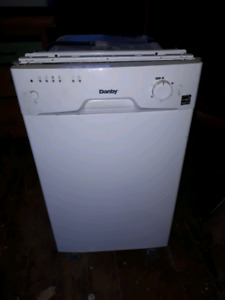 Danby 18 inch apartment size dishwasher