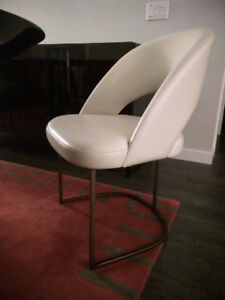 Dining chairs Hugues Chevalier Paris