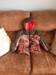Winter jacket (boy's size 4) LIKE NEW!