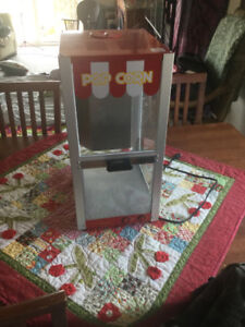 Family sized tabletop theatre style popcorn maker....