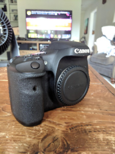 Canon 7D and extras Great Condition